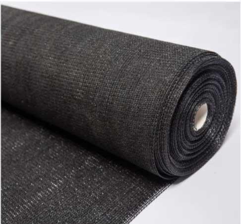 پارچه ساران که برای پوشش سایه دهی گلخانه استفاده میشود